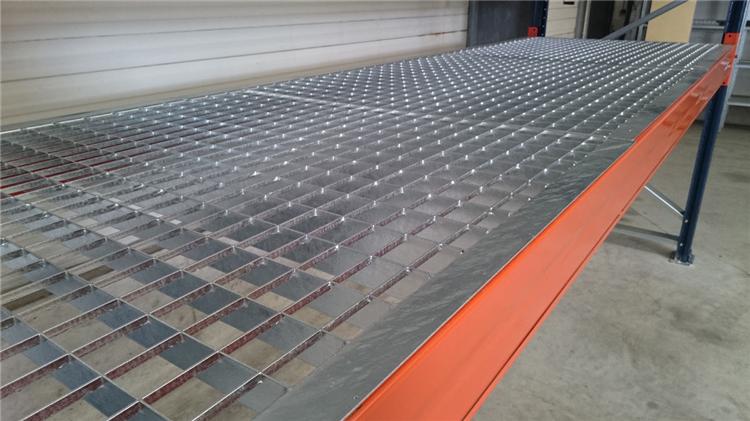 金耀捷網業專業的平臺鋼格板,齒形鋼格板,異形鋼格板的鋼格板廠家