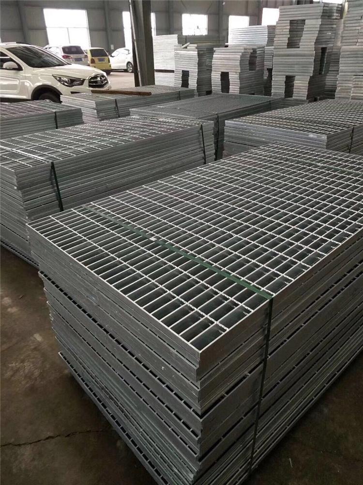 北京高先生訂購的200塊樓梯踏步板已經發往六里橋站