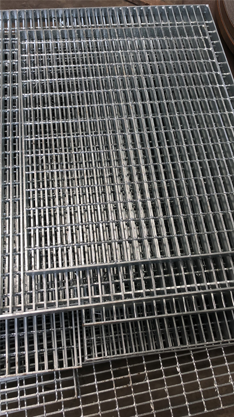 浙江王先生訂購的鋼格板和平臺鋼格板發貨通知
