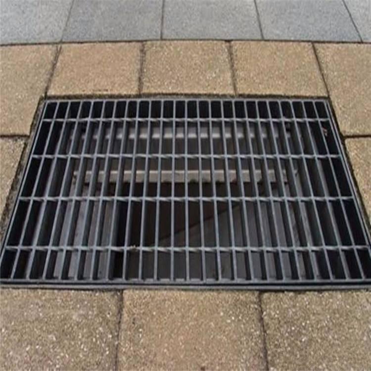 排水溝復合蓋板多少錢米?排水溝復合蓋板多少錢米夾在上夾具、下夾具、六角螺母、墊圈等之間。通常在敞開的鋼格板上可以專門制作鋼格板程序設備機架固定,原則上每個鋼格板(約平方米)用于
