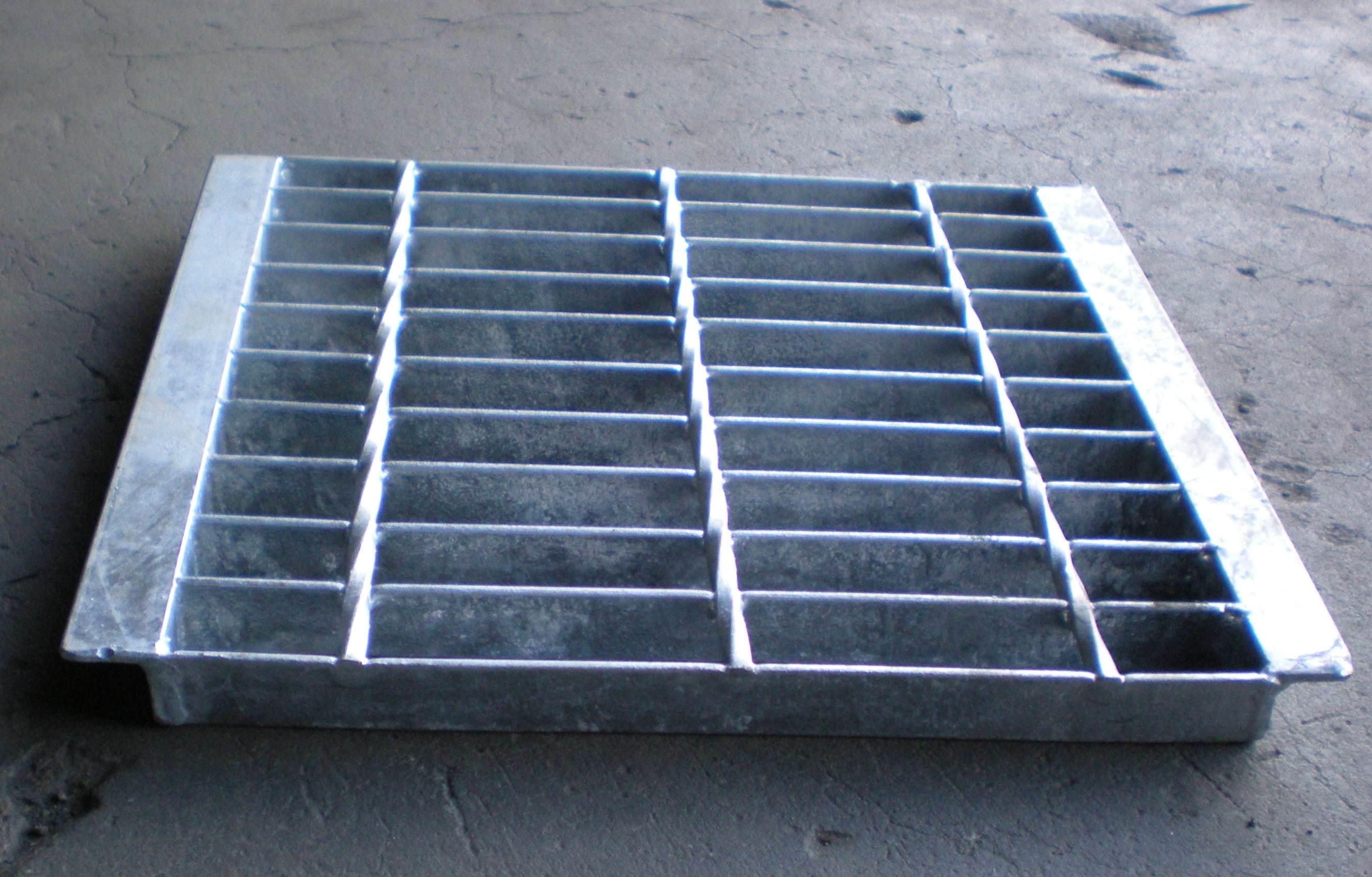 水蓖子溝蓋板一般去哪里買?水蓖子溝蓋板一般去哪里買越來越多的人開始熟悉他,很多人開始生產鋼格板,但是隨著質量要求的下降,這個問題需要所有同行的重視,所以我們要做好鋼格板行業的質