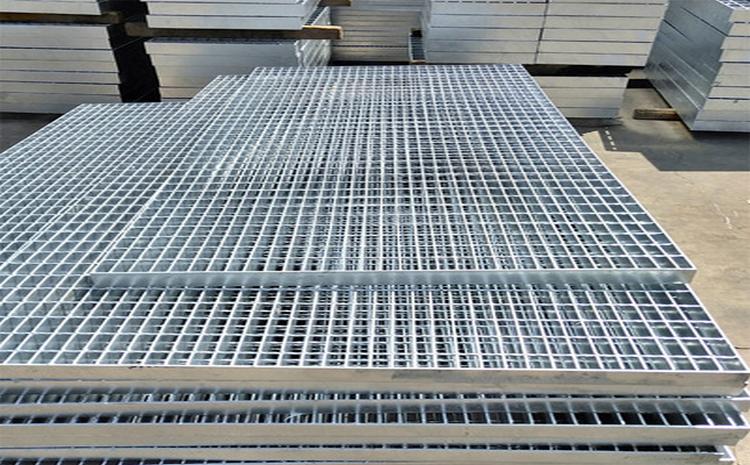 山东潍坊九江花纹复合镀锌钢格板