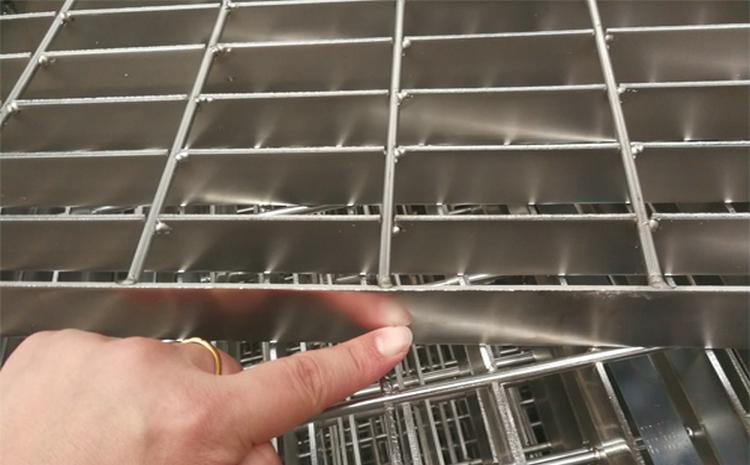 广西柳州云南平台钢格板厂家
